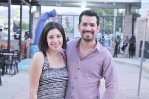 06062017 Erika y Luis desde Tabasco apoyando a los Olmecas de Tabasco.