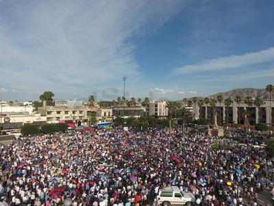 La concentración tuvo lugar en la Plaza Mayor de Torreón.