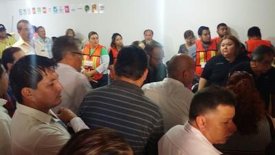 En el Comité Distrital Electoral en Piedras Negras, donde el espacio es más reducido y se han instalado ocho grupos de trabajo, quienes habrán de computar 248 paquetes electorales, correspondientes a las 248 casillas instaladas para la elección de diputado local por el Distrito II.