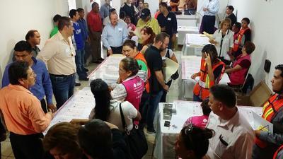 En Piedras Negras hubo retraso en el conteo de votos.