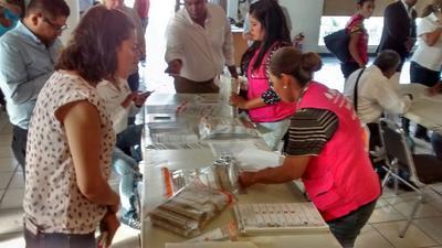 Ramsés Bañuelos presidente del Comité informó que son 819 paquetes los que se abrirán para su recuento.