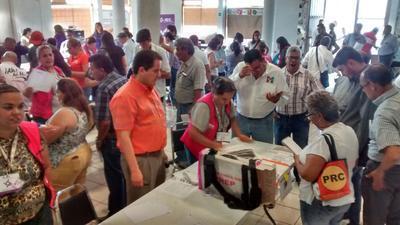 El conteo total de la elección a Ayuntamiento se realiza en el Comité Municipal del IEC en Torreón.