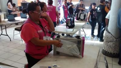 Se abrieron los paquetes de la elección en Coahuila.