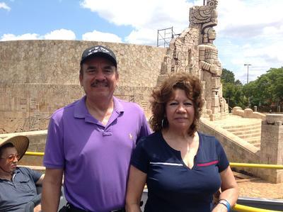 08062017 En el Monumento a la Patria en Mérida, Yucatán.