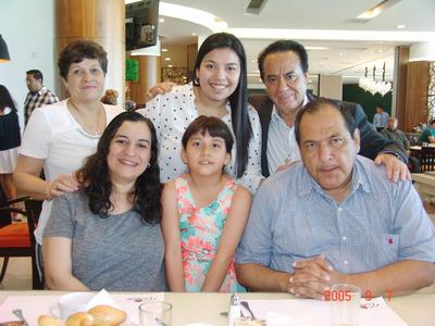 08062017 Ana Laura, Sara, Mario, María de Jesús, Aura y Alejandro.