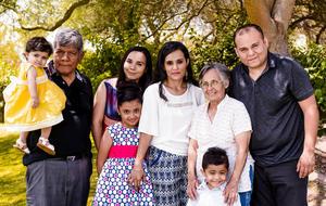 08062017 EN FAMILIA.  Bárbara con José María, Grettel, Marijo, Margarita, Bruno, Margarita y Pablo.