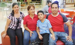 08062017 Yolanda, Coca, Víctor y Paco.