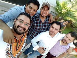 10062017 ENTRE AMIGOS.  Sergio, Francisco, Jesús, Christian y Manuel.