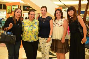 12062017 Ana, Lizbeth, Lucía, Rosy y Sharon.