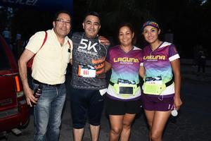 13062017 EN CARRERA ATLéTICA.  Carlos, Joel, Lupita y Bere.