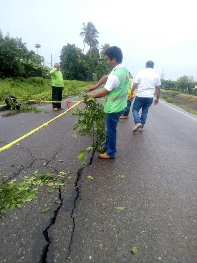 """""""Falsos los rumores de una persona fallecida en el municipio de Huixtla, continuamos con el monitoreo"""", aclaró en su cuenta @pcivilchiapas en la red social."""
