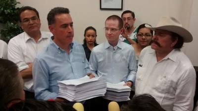 """""""Este es el fraude electoral más documentado de la historia de México"""" dijo Guillermo Anaya."""