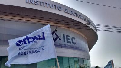 Las instalaciones del IEC donde se realiza este acto de manifestación se encuentran ubicadas en la Carretera Saltillo- Monterrey kilómetro 5.