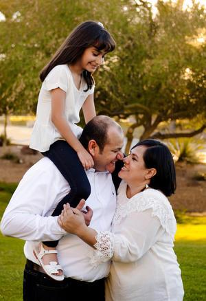 15062017 Luis Carlos Ortega y Olga Leticia Carrillo con su hija: Ximena Ortega Carrillo.