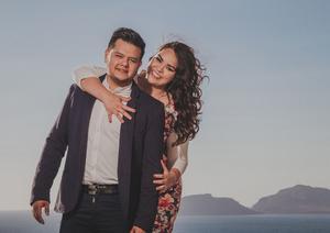 17062017 Karen Estefanía Villalobos López y Roberto Ezequiel González González contraerán matrimonio por lo civil en la ciudad de Mazatlán, Sinaloa. Posteriormente se ofrecerá la recepción nupcial en la terraza del Hotel Ramada Resort acompañados de familiares y amigos.