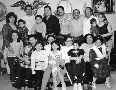 18062017 Reunión familiar del Sr. José Luis Rivera Cháirez y Familias Rivera Hernández y Rodríguez Rivera, en 1988.