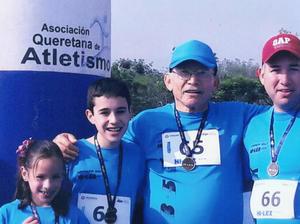 18062017 EN FAMILIA.  Daniela, Diego, Leonel y Erick en reciente carrera en Querétaro, Querétaro.