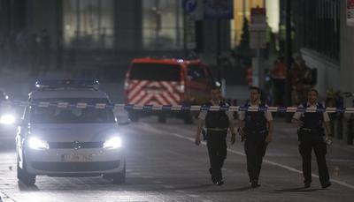 El individuo, sucumbió a las heridas y falleció tras ser neutralizado por soldados que se encontraban en el lugar, según recogen medios como la agencia Belga o la cadena pública RTBF.
