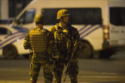 El presunto terrorista neutralizado hoy por militares belgas en la estación de Bruselas ha fallecido, según informó la fiscalía federal, que no ha aportado datos sobre su identidad.