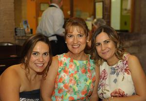 Angélica, Silvia y Angélica