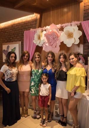 Melisa, Elda, Linda, Fernanda, Ariadna y Mía con Paola Núñez.jpeg