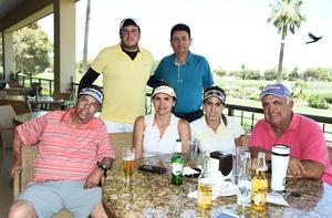 Juan y Aníbal Fajer, Raúl, Claudia, Margarita y Vicente