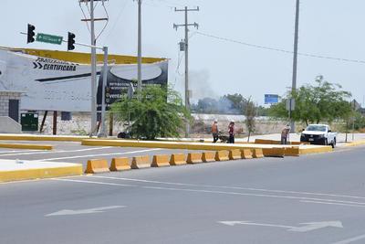 Hasta ahora, en Gómez Palacio los carriles siguen con su trazo equivocado y los muros que obstruyen el paso.