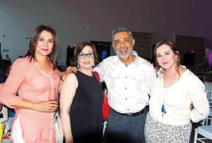 24062017 EN RECIENTE EVENTO.  Linda, Magaly, Gerardo y Lulú.