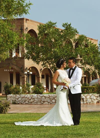 25062017 Ignacio López Pecina y Melany Quintana Vázquez contrajeron matrimonio el 27 de mayo en Ex Hacienda Los Ángeles.