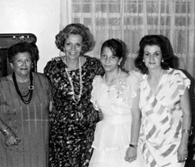 25062017 Ana María de la Fuente (f), Olivia de la Fuente y Dra. Lucia en 1984.