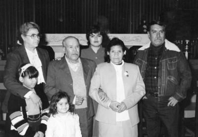 25062017 Juan Pargas Torres y Margarita Ramírez en su aniversario de 50 años de boda, acompañados por Gabriel Castro, María Ibarra, Amparo Castro, Dulcelina Pargas y Nancy Rodríguez.