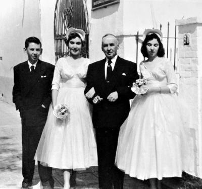 25062017 Doctor Gilberto Bermeo Peñaloza, con algunos de sus hijos, en la década de los 50.