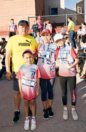 25062017 EN FAMILIA.  David, Aída, Elizabeth y Any.