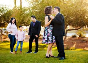 25062017 FESTEJO EN FAMILIA.  Bertha Alicia Carrillo de Salas con su esposo, Gerardo Salas de la Cruz, sus hijos, Ana Cristina y Alfonso Salas Carrillo, y su nieto, Gerardo Ruiz Salas.