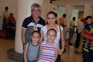 27062017 Alonso, Marcela, Daniela y Bárbara.