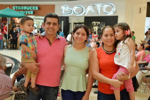 28062017 Ricky, Ricardo, Mariana, Elizabeth y Marina.
