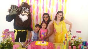 28062017 FELIZ CUMPLEAñOS.  Ainhoa Kamp Leal acompañada de Asunción, Iker, Idoia, Taryn, Isabel y las princesas en su fiesta de cumpleaños.