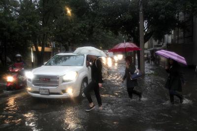 Los usuarios reportaban en redes sociales las afectaciones que la lluvia dejó.