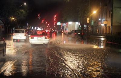 Las inmensas lluvias afectaron la vialidad en CDMX.