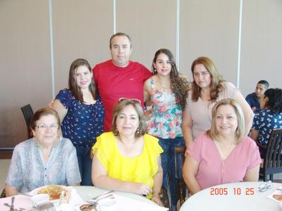 29062017 Karel, Víctor, Rossana, Bertha, Rosa, Chela y Oti.