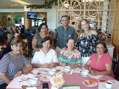 29062017 Loretta, José Ignacio, Magda, Irma, Ruth, Rosa Elena y Silvia Aurora.