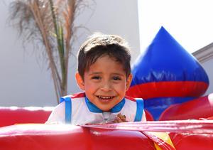 29062017 UN CUMPLE FELIZ.  José Torres Chávez.