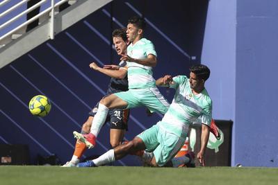 Durante la primera mitad, los Guerreros mostraron una cara muy dinámica y ofensiva, que les permitió tomar ventaja de inmediato.