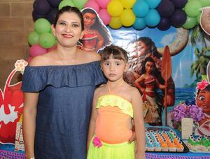 03072017 CUMPLE 5 AñOS.  Mellisa con su mamá, Jessica Cortés Fraire.