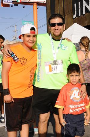 02072017 EN FAMILIA.  Fernando, Emilio y Adrián.