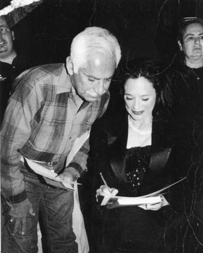 02072017 Alejandro Ramírez Villalba acompañado de la actriz Ofelia Medina en una presentación en el Teatro Alvarado de Gómez Palacio, Durango.