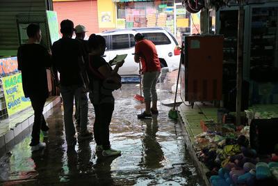 Cada lluvia intensa, los alrededores del excuartel Juárez sufren por encharcamientos severos.