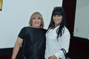 04072017 AMIGAS.  Jessica y María Luisa.