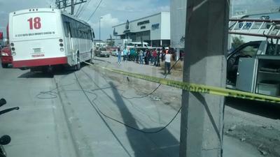 El percance ocurrió sobre la carretera Torreón-Matamoros, a unos metros de la llamada Plaza Jumbo de Torreón.