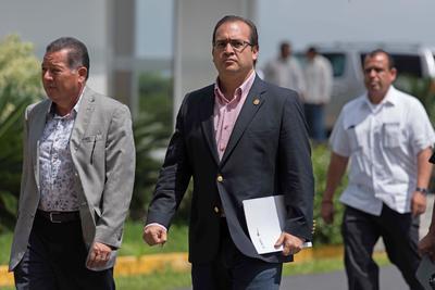 Al terminar su gestión el exgobernador fue acusado de desviar recursos del erario, lavado de dinero y vínculoscon el narcotráfico.